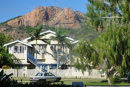Townsville mit Aussichtsberg Castle Hill